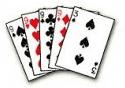 harvaesinev pokkerikäsi