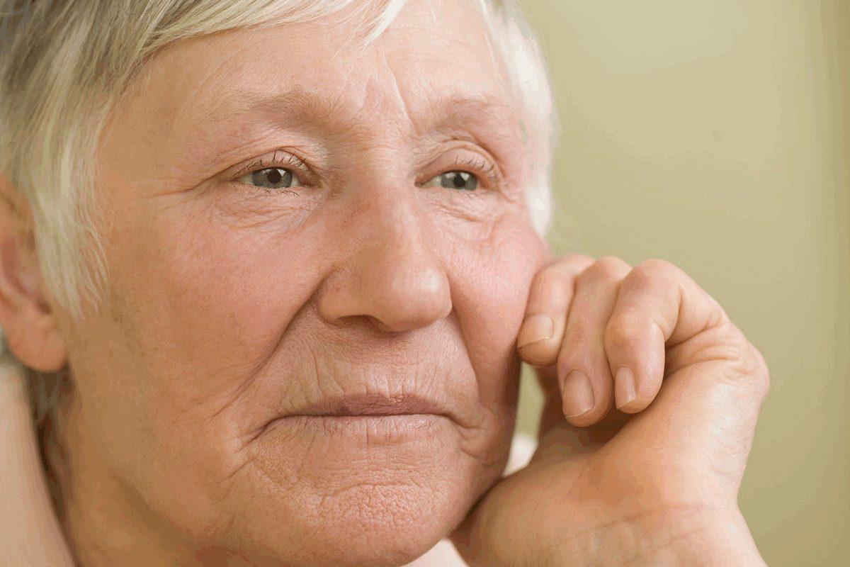 vanem naine on kauem töötu